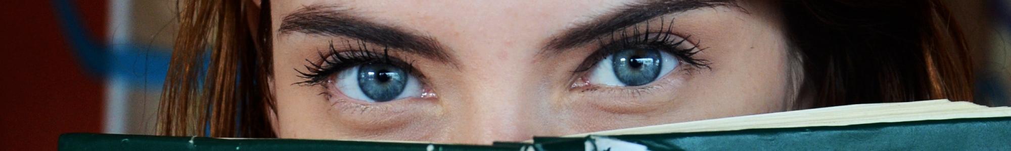 Crème contour des yeux aux extraits naturels biologiques